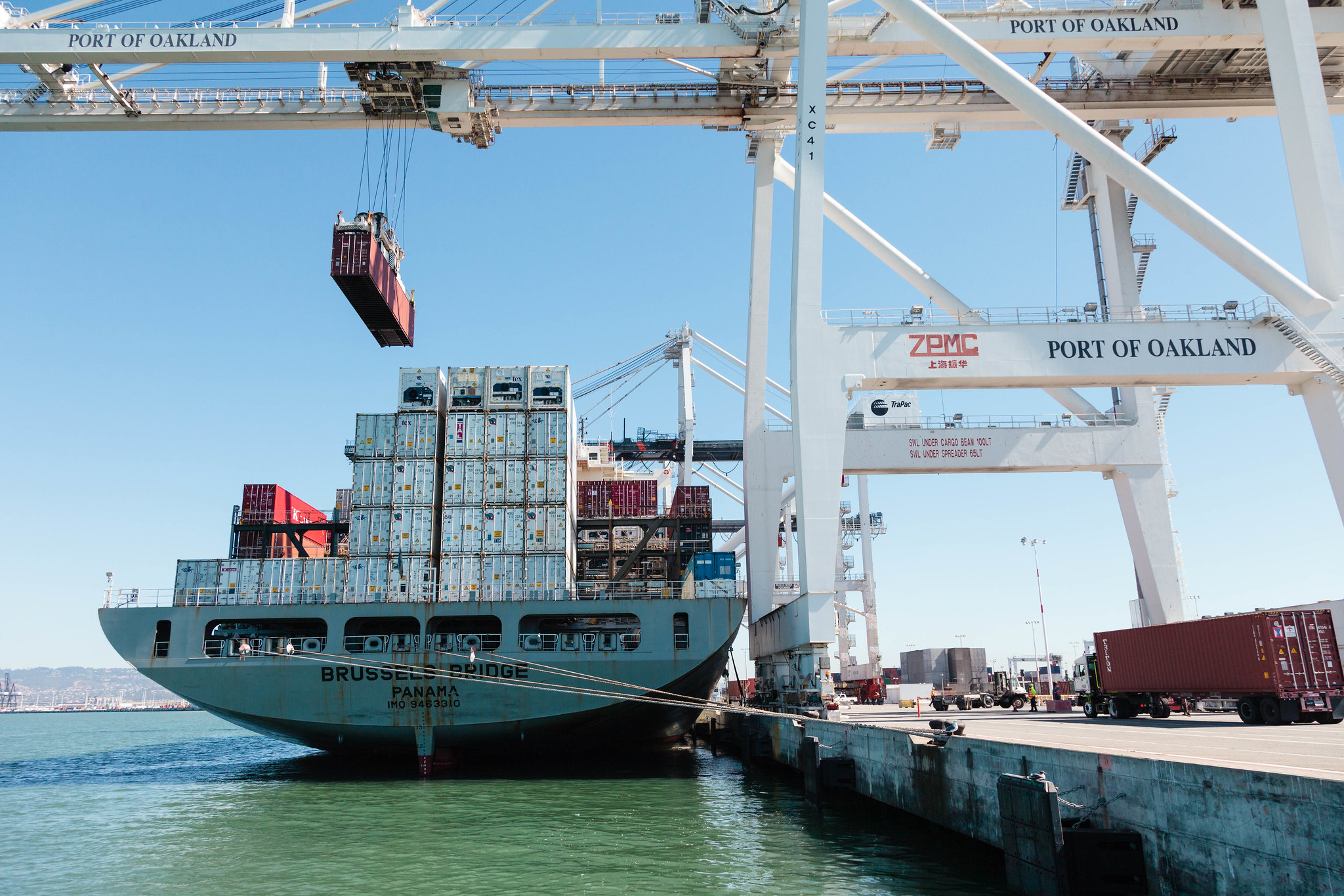 Port of Oakland becomes next overflow valve for shippers