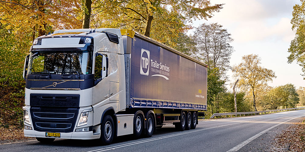 A TIP Trailer Services rig on a European road. (Photo: TIP Trailer Services)