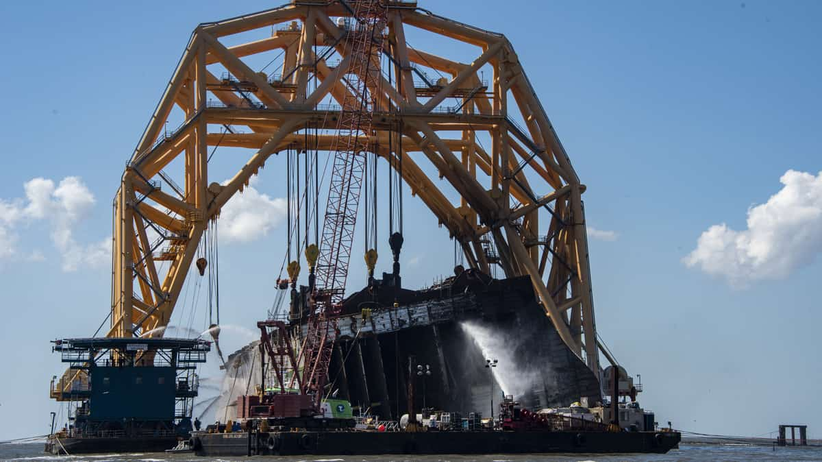 Fire blamed for latest Golden Ray dismantling delay