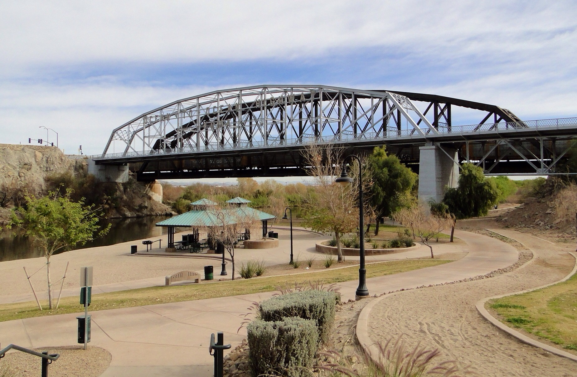 The Ocean-to-Ocean Bridge was the first bridge for autos/trucks across the Colorado River near the route of the current I-8. (Photo: Wikipedia)