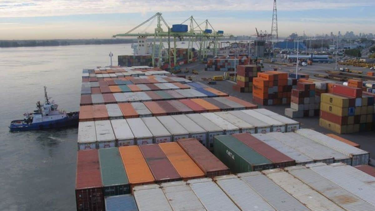 Montreal port to resume cargo activity after government strike intervention