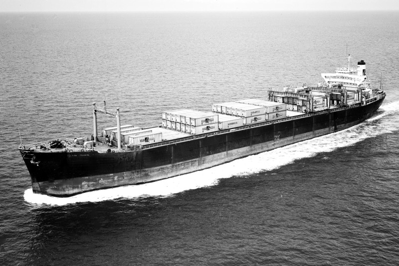 The SS San Juan with a load of Sea-Land containers on its deck. (Photo: industrialhistoryhk.org)