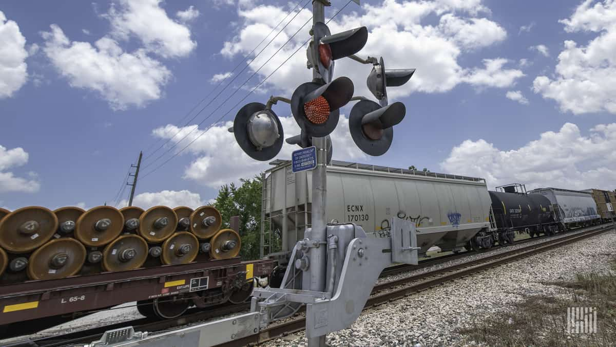 Democrats want look at precision scheduled railroading's impact