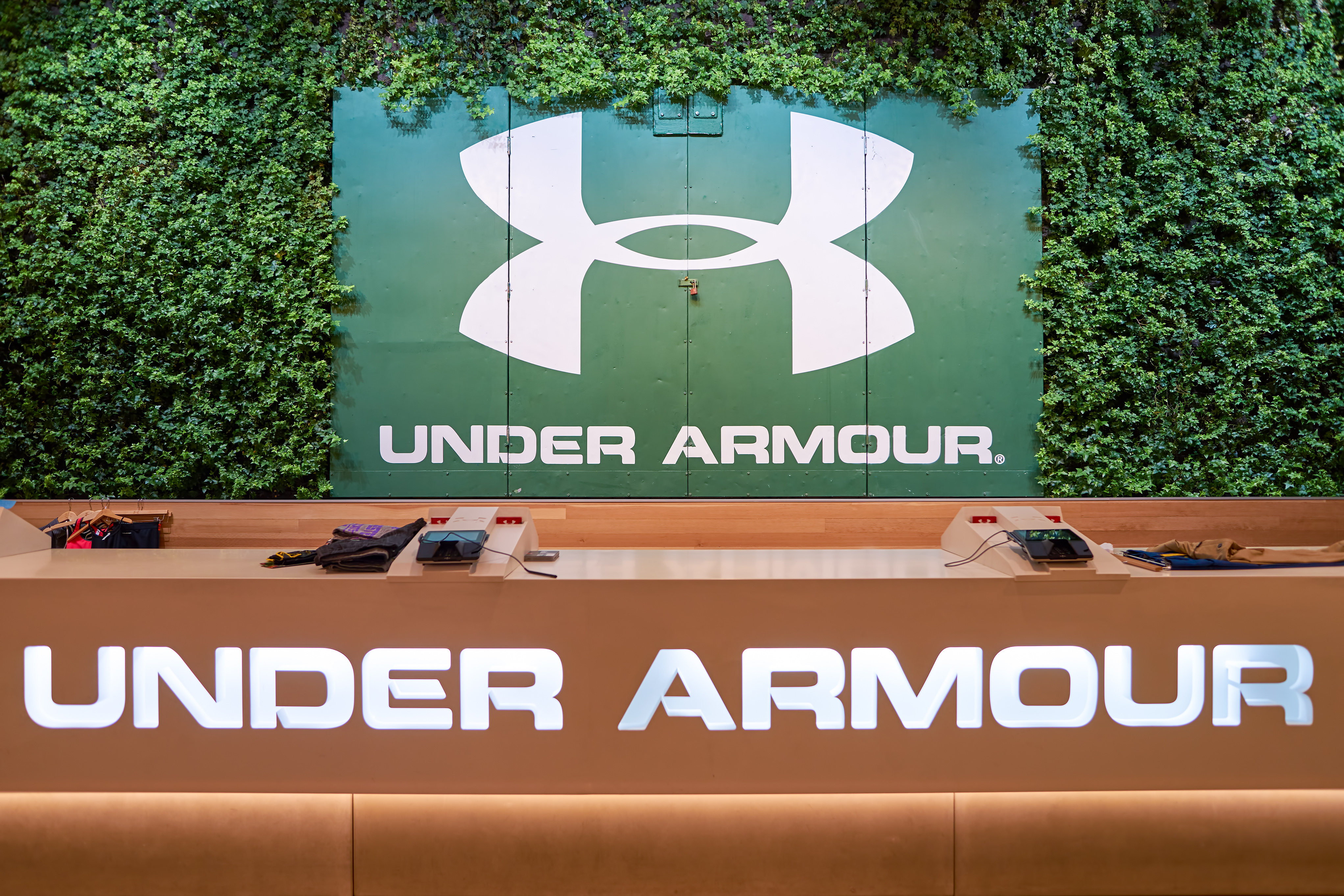 Under Armour's DTC shift simplifies its supply chain at the right time