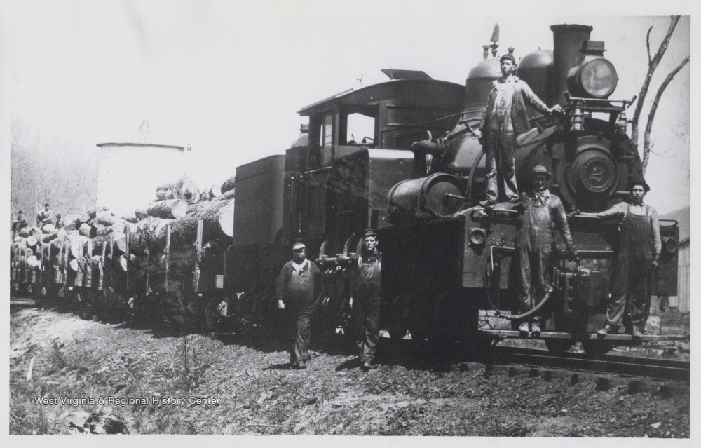 A lumber train in West Virginia. (Photo: West Virginia History On View)