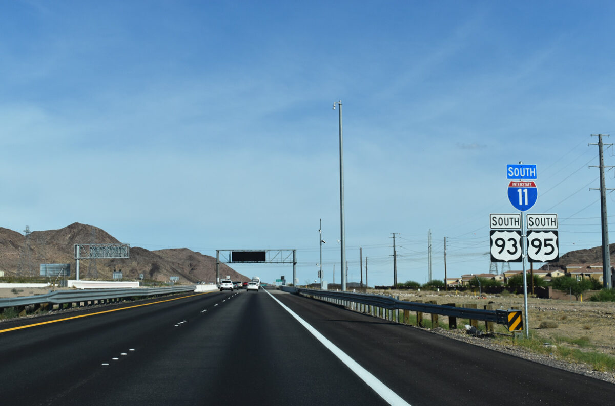 A section of new Interstate 11 that was formerly part of US 93/US 95. (Photo: aaroads.com)