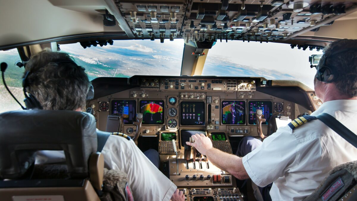 FAA creates database for sharing of pilot records