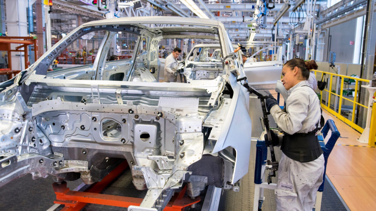 Volkswagen workers in Mexico empower union to call strike