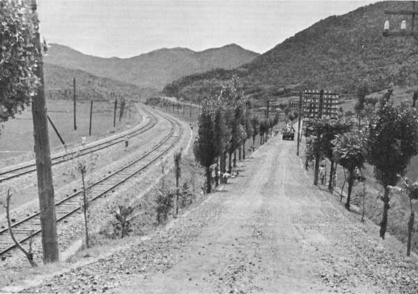 The main Seoul–Pusan railway and road was integral in bringing supplies to the front. (Photo: U.S. Army)