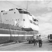 This photo shows cargo being unloaded from a ship prior to the era of containers and container ships. (Photo: Port of Los Angeles)