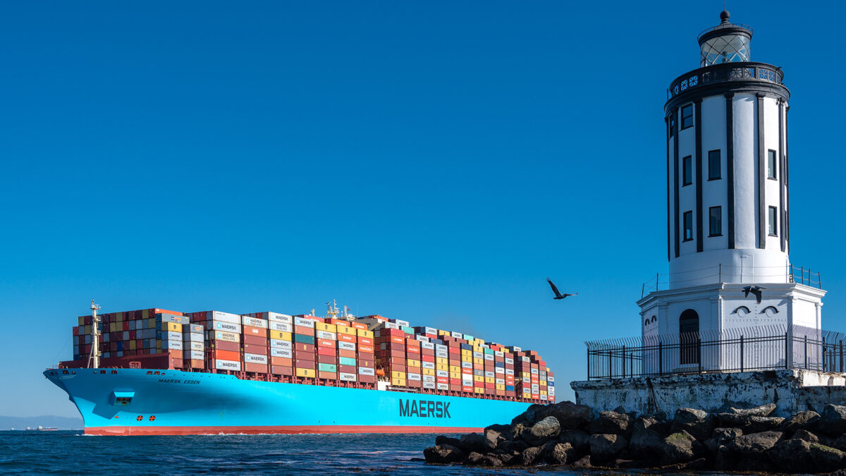 The lighthouse marks the entry to San Pedro Bay and the Port of Los Angeles. A Maersk container ship passes by.  (Photo: Port of Los Angeles)