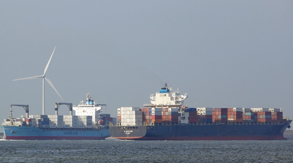 Container ship scores 'off the charts,' 'fantasy' charter rate: $135,000/day