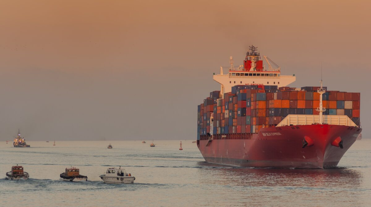 More container ships score 'astronomical' $100,000/day rates