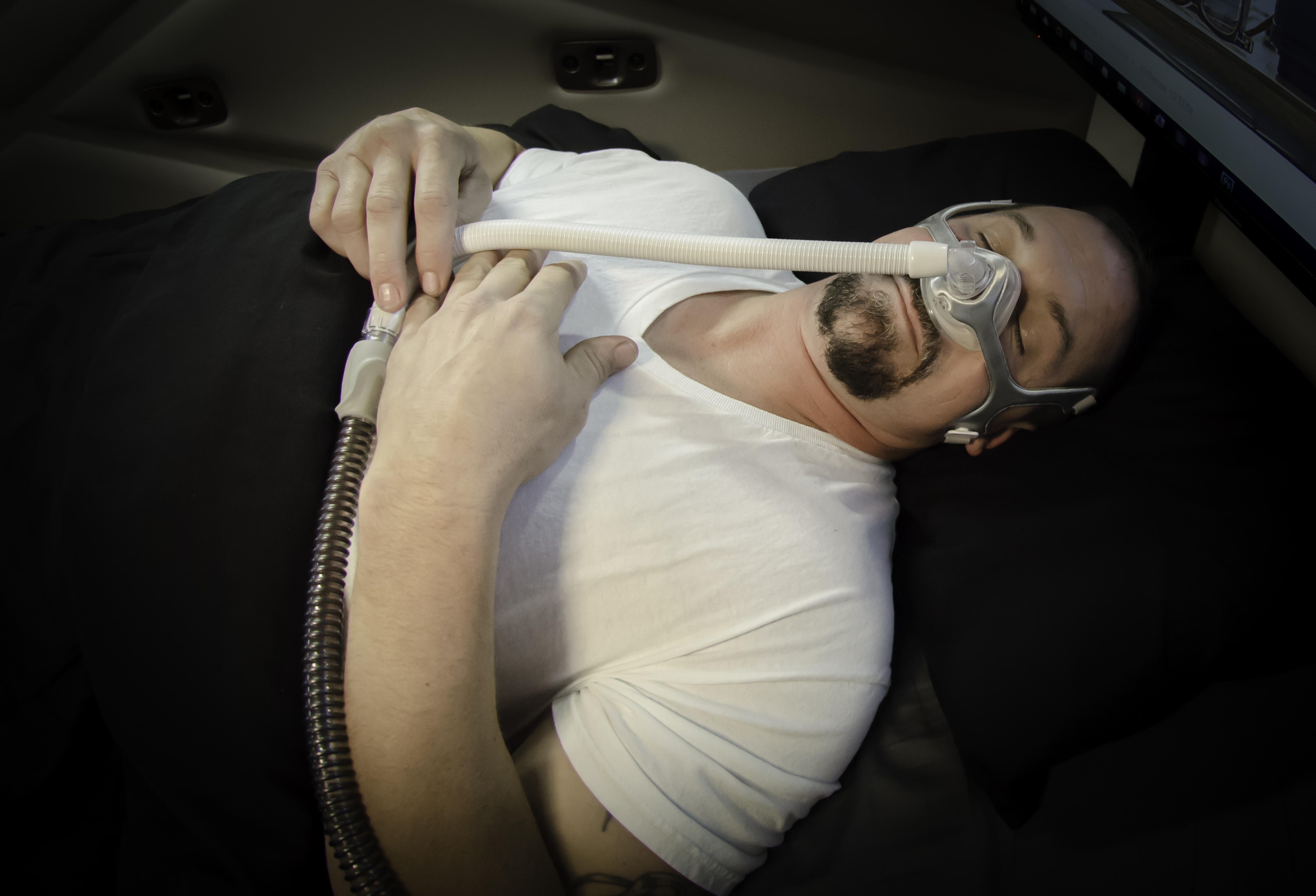 Truck drivers question whether they are legally allowed to drive if sleep apnea device is recalled