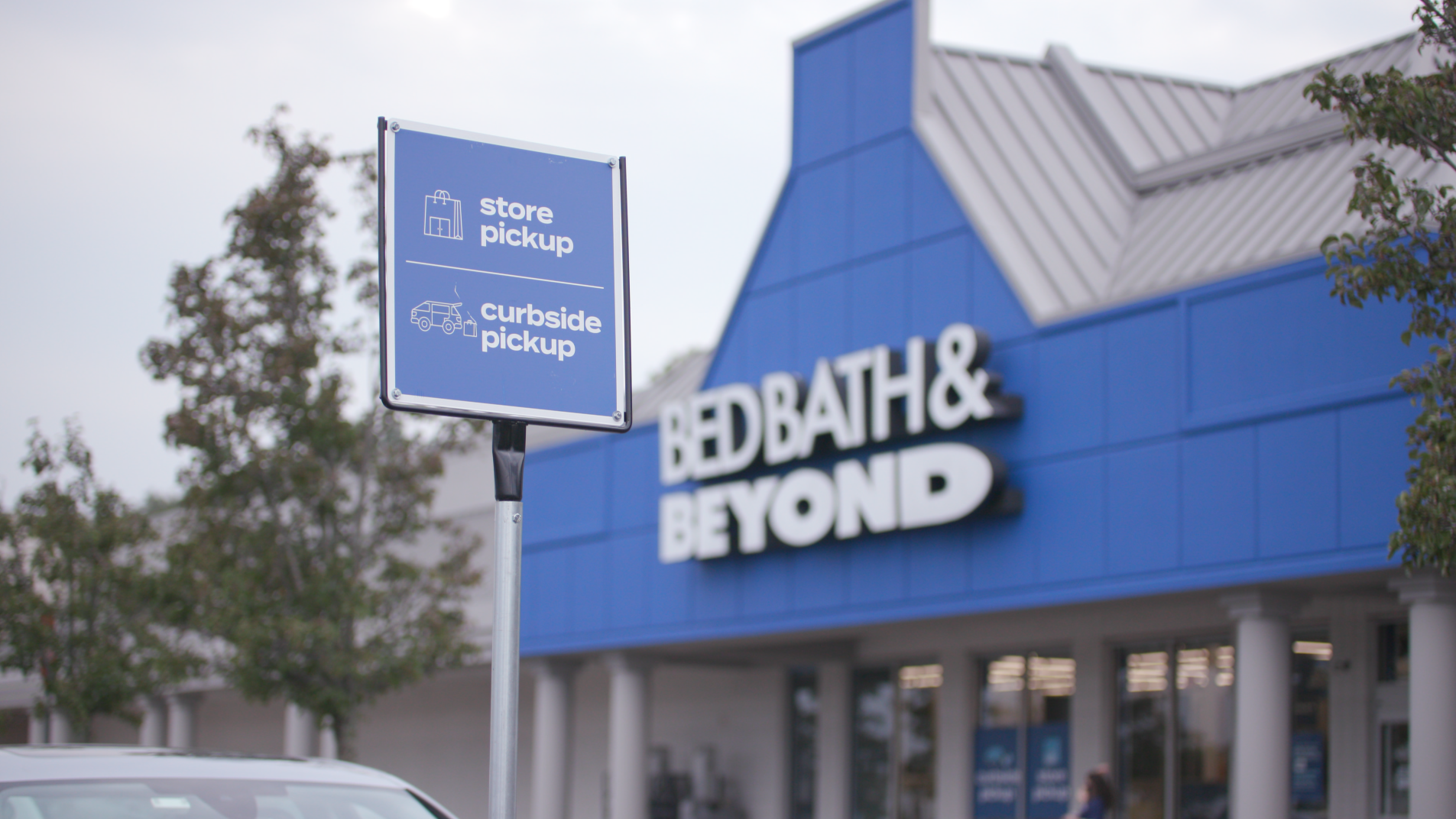 Bed Bath & Beyond adds Roadie same-day delivery service
