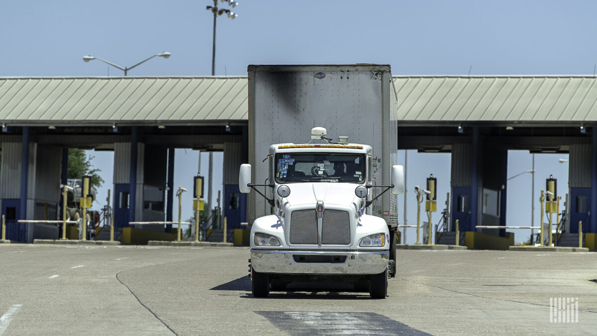 Borderlands: Mexico faces growing shortage of truck drivers