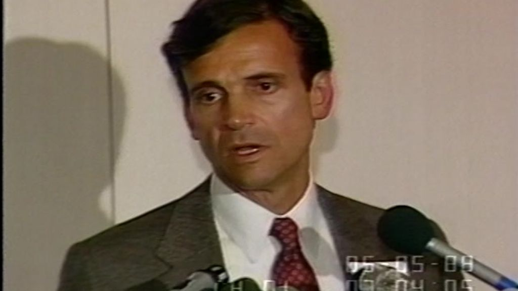 Frank Lorenzo at a Washington, D.C. press conference in the 1980s. (Photo: C-SPAN)