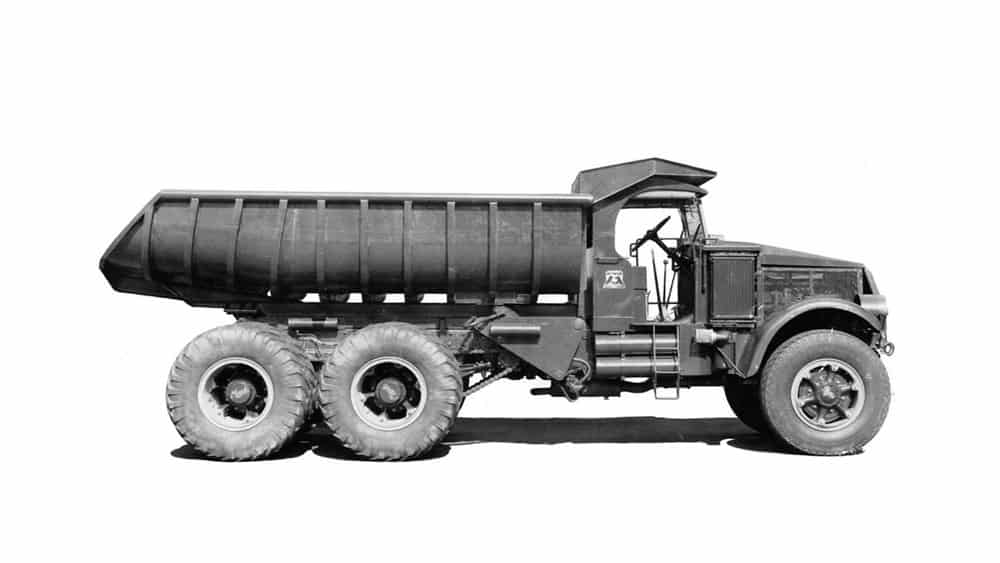 A Mack dump truck from the early 1930s, Trucks like this were used to haul materials for the building of the Hoover Dam. (Photo: Mack Trucks)