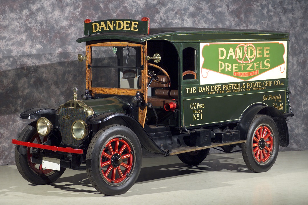 An early White Motor Company truck looks great in this photo. (Photo: wrhs.org)