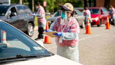 A volunteer assists at a COVID-19 testing site in Virginia. (Photo: HHS)
