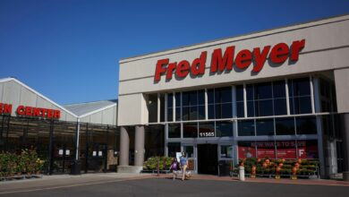 Front entrance to a Fred Meyer grocery store.