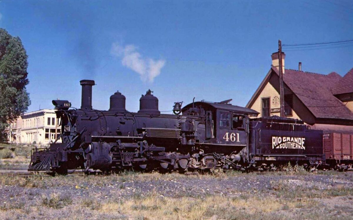 A Rio Grande Southern engine and tender with a freight train in 1953. (Photo: Richard Kindig/American-Rails.com)