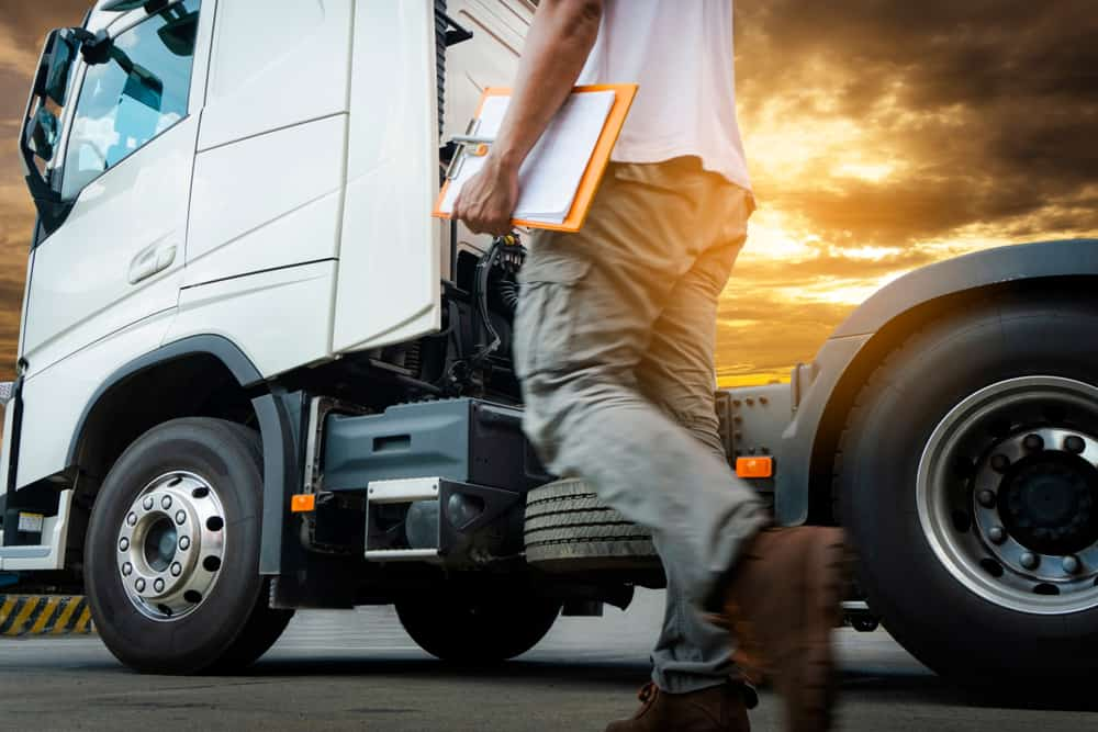 This truck has tires that are in good condition (and a spare). (Photo: Shutterstock)