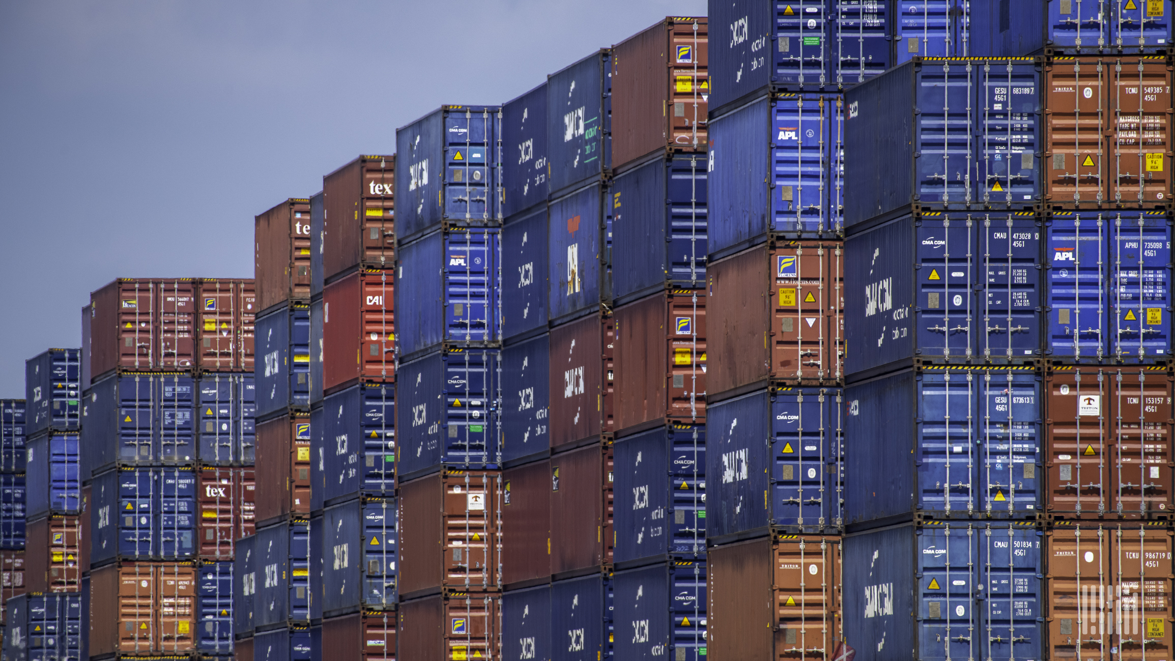 Freight continues to roll in amid capacity shortages