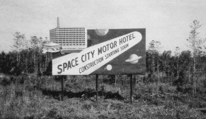 A billboard that is out of this world. (Photo: AL.com)