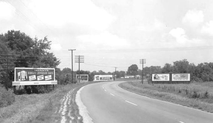 Norman Bridge Road in Montgomery, Alabama in 1955. (Photo: Alabama Department of Archives and History)