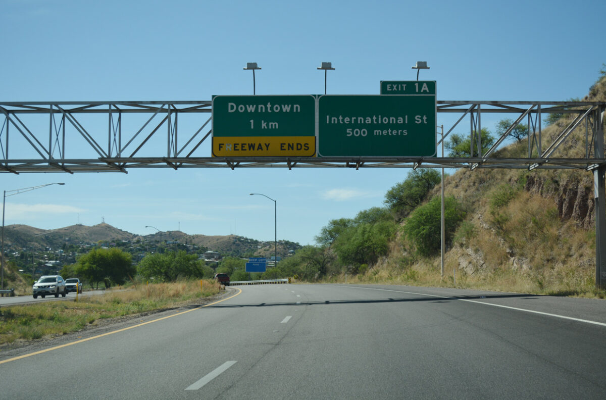 One of I-19's road signs that uses kilometers for measurements. (Photo: interstate-guide.com)
