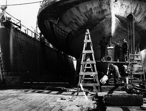 Shipbuilding at the Port of Mobile. (Photo: Encyclopedia of Alabama)