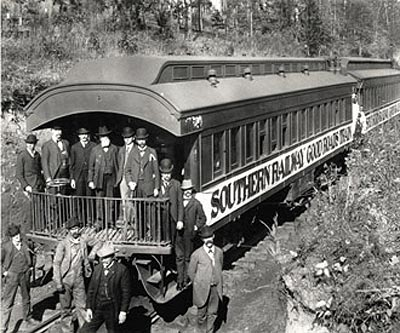 A photo of the Southern Railway Good Roads Train from 1901. (Photo: Library of Congress)