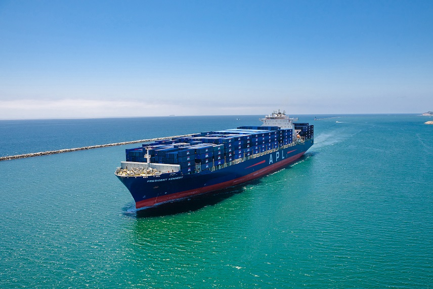 APL President Kennedy maneuvers out of the Port of Los Angeles on its way to anchorage. (Photo: APL)