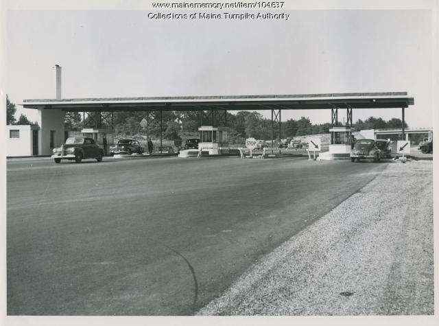 Toll plazas were a bit simpler in 1947. (Photo: Mainememory.net)