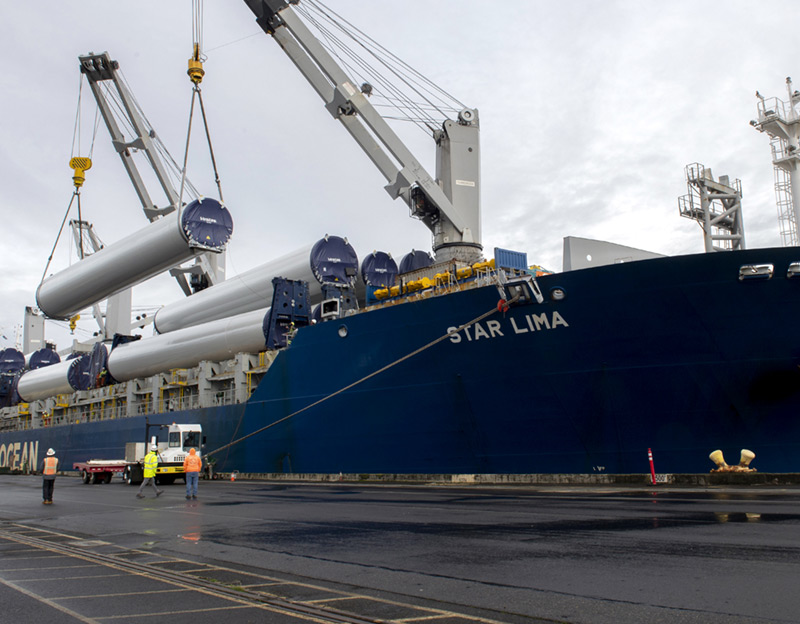Breakbulk cargo is unloaded from the Star Lima at Portland's Terminal 6. (Photo: Port of Portland)