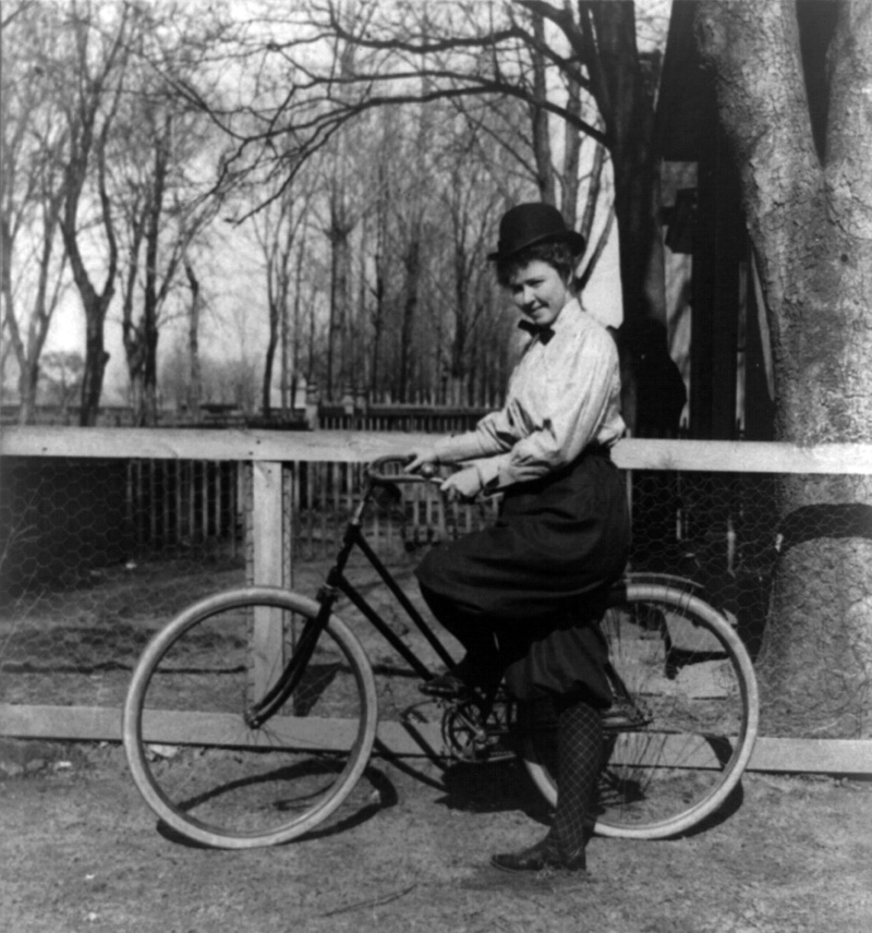 The bicycle movement in the late 1800s drew attention to the need for better roads.  Cyclists of the time lobbied for safer and more efficient roads.  (Photo: Library of Congress)