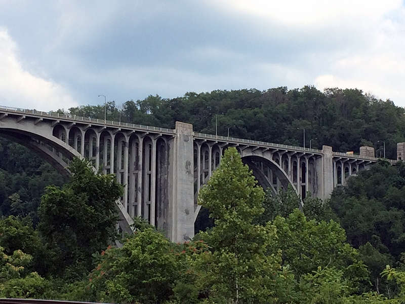 A more recent photo of the bridge. (Photo: pittsburghartplaces.org)