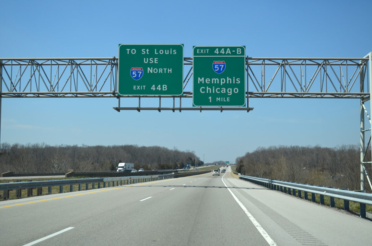 On I-24 in Illinois, approaching the exits for I-57. (Photo: interstate-guide.com)