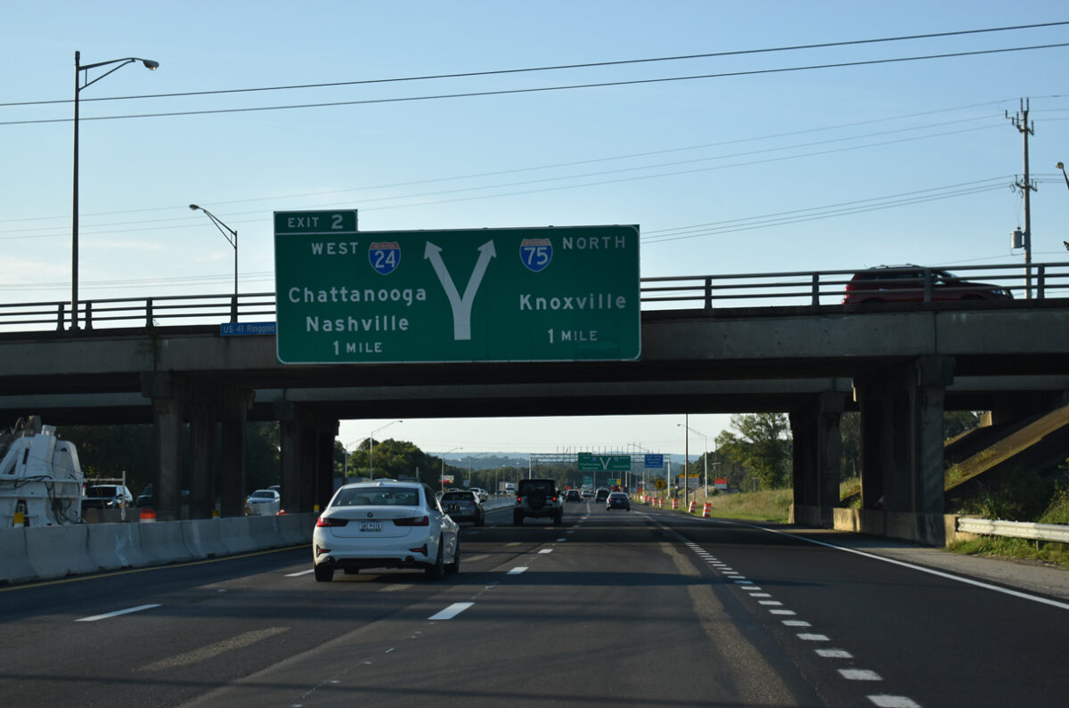 Construction for the I-75/24 Interchange Modification Project shifts the left exit ramp for Interstate 24 west to the outside lanes. (Photo: interstate-guide.com)