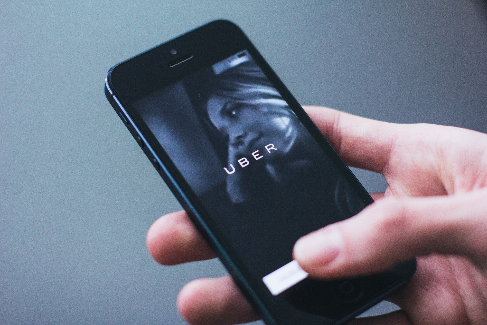 Uber aims for profitability and raises outlook