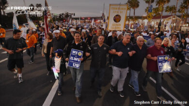 ILWU members march. (Photo: Stephen Carr/Daily Breeze)