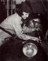 Women took over at the service plazas during the war.  (Photo: Pennsylvania Turnpike Commission)