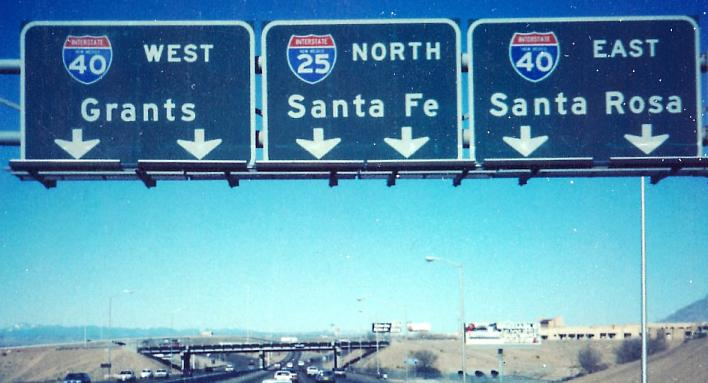 Signs for I-25 and I-40 in New Mexico. (Photo: alpsroads.net)